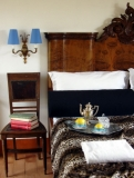 SUPERIOR ROOM - Double room with independent entrance, ensuite bathroom, Minibar, TV, Dvd player  and safe
