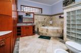 Bahtroom Master Room