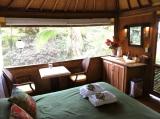 Oceanfront Bali Hut Hawaii - interior