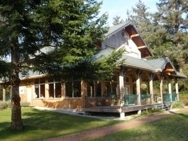 The Ravenous Raven Lodge and Restaurant