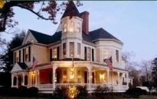 The Oaks Victorian Inn