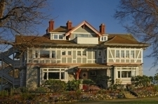 Dashwood Manor Seaside B&B Inn